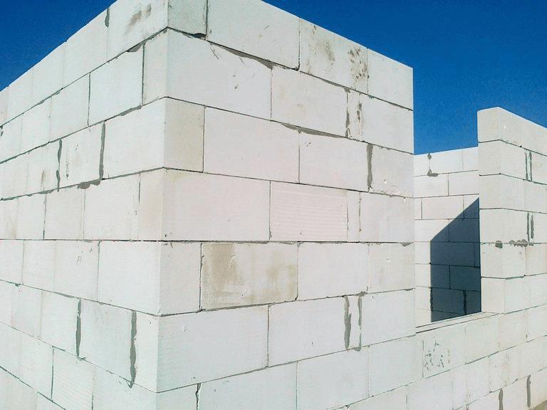 толщина стен из газобетона
