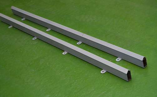 Rail track for moveble molds